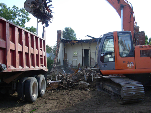 Site cleanup general contracting - Build Life Construction